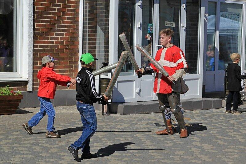 Битва детеей и реконструктора - «Вятский Арбат» в день города-2015 на пешеходной улице Спасской