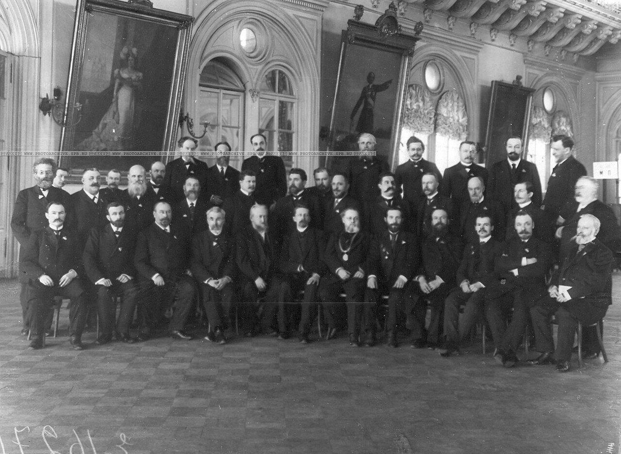 20 марта 1906. Избирательная комиссия по выборам выборщиков от Санкт - Петербурга в зале Городской думы.