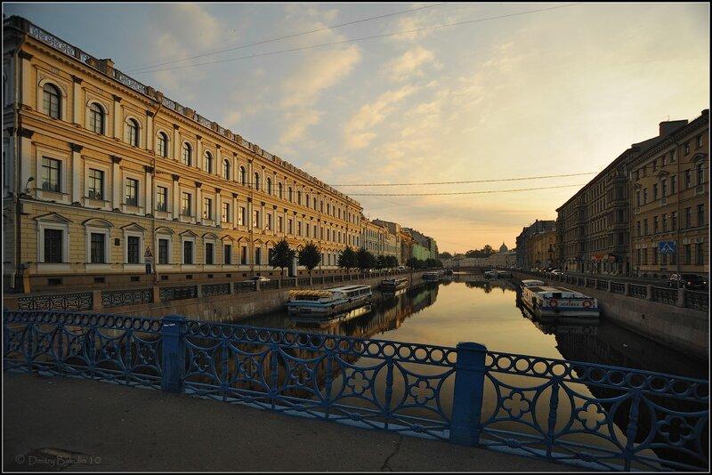 Желтая Мойка с Синего моста