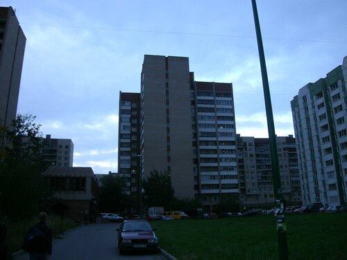 Бухарестская ул. 152к1