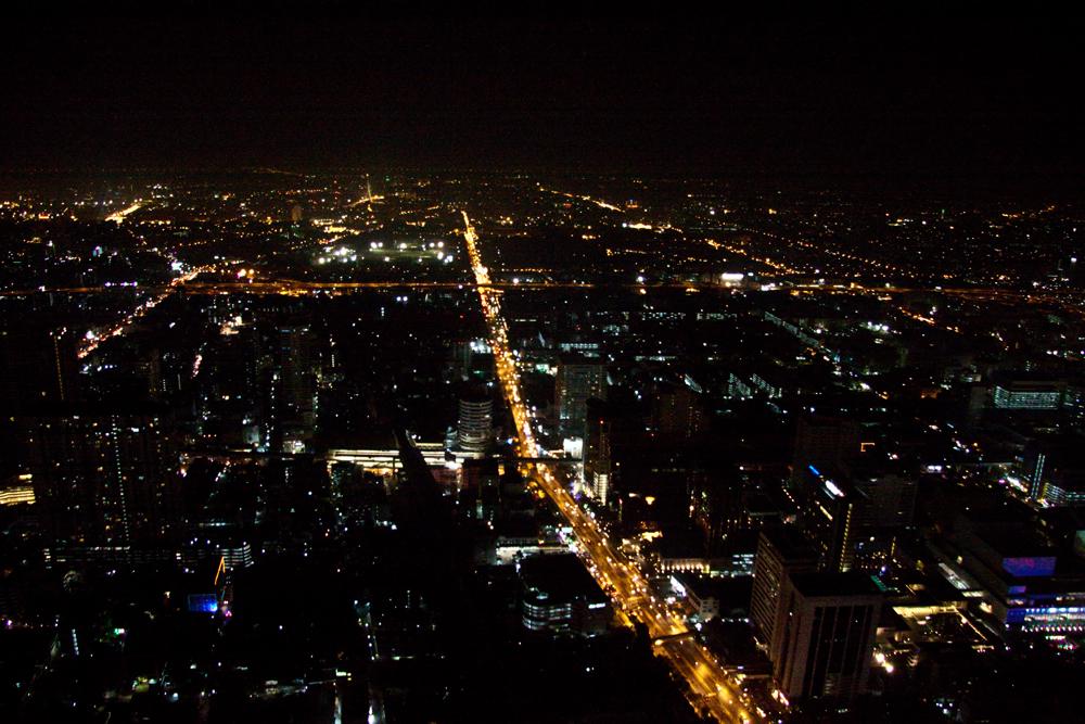 фото ночного бангкока с самолета отдыха, когда загаром