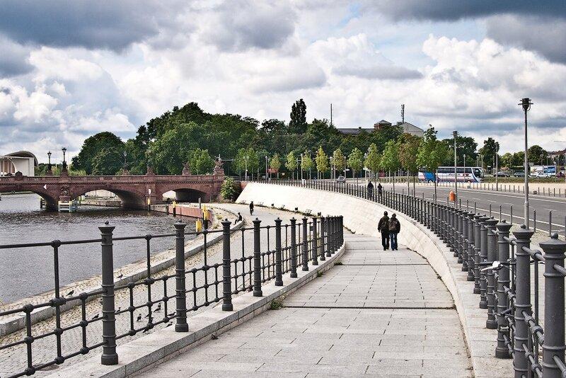 фотографииберлин, германия отчёт, германия фотоотчёт, дворцовый мост, набережная Шпрее