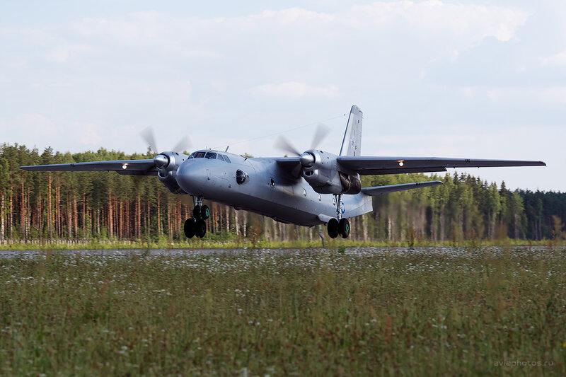 Антонов Ан-26 (RF-46897 / 25 синий) D806493e