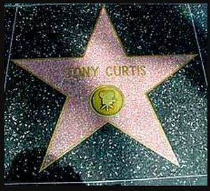Звезда Тони Кертис на аллее в Голливуде.jpg