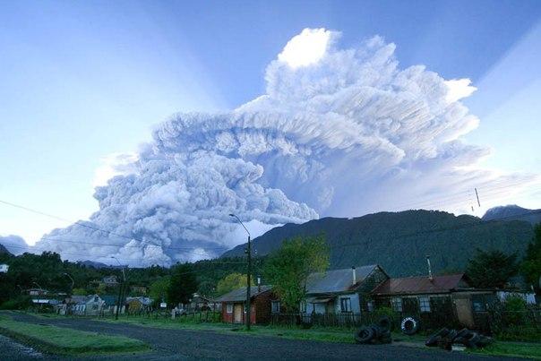 Красивые фотографии: извержения вулканов 0 10f565 36d08205 orig
