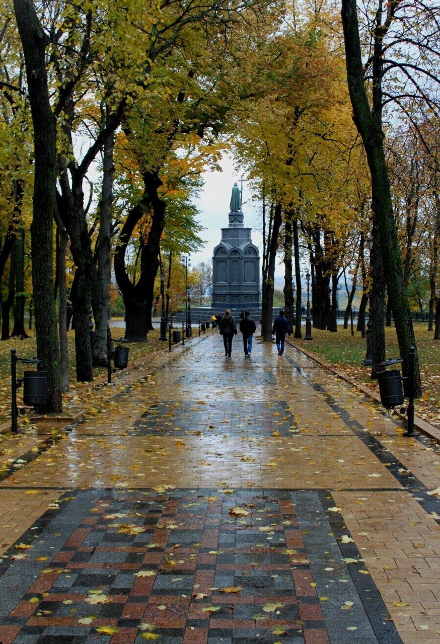 Главная аллея Владимирской горки