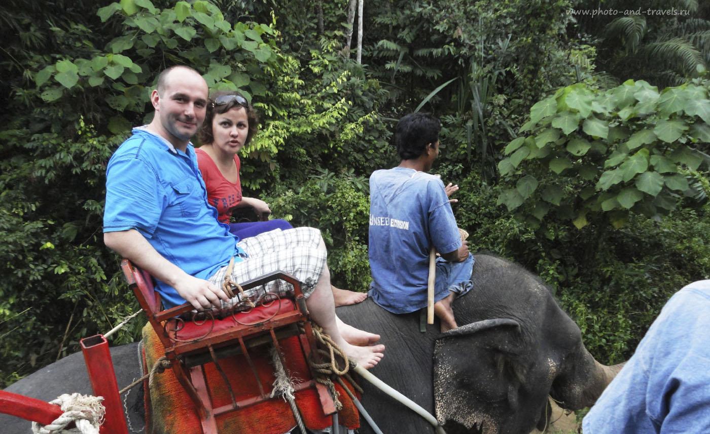 11. Одна из экскурсий на полуострове включает : купание в Изумрудном бассейне, восхождение на гору Храма Тигриной Пещеры и катание на слонах по джунглям. В первую поездку в Таиланд опыт был неудачный: один из слонов взбесился, а наш - поскользнулся и упал при спуске в реку... Так выглядели наши лица через пять минут после этого неприятного и страшного события. Отзывы туристов о самостоятельном отдыхе в Тайланде.
