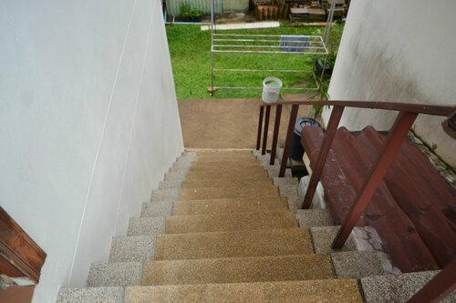 Наш дом на Пхукете. Крутая лестница.