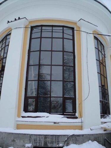 Новые окна в здании вокзала