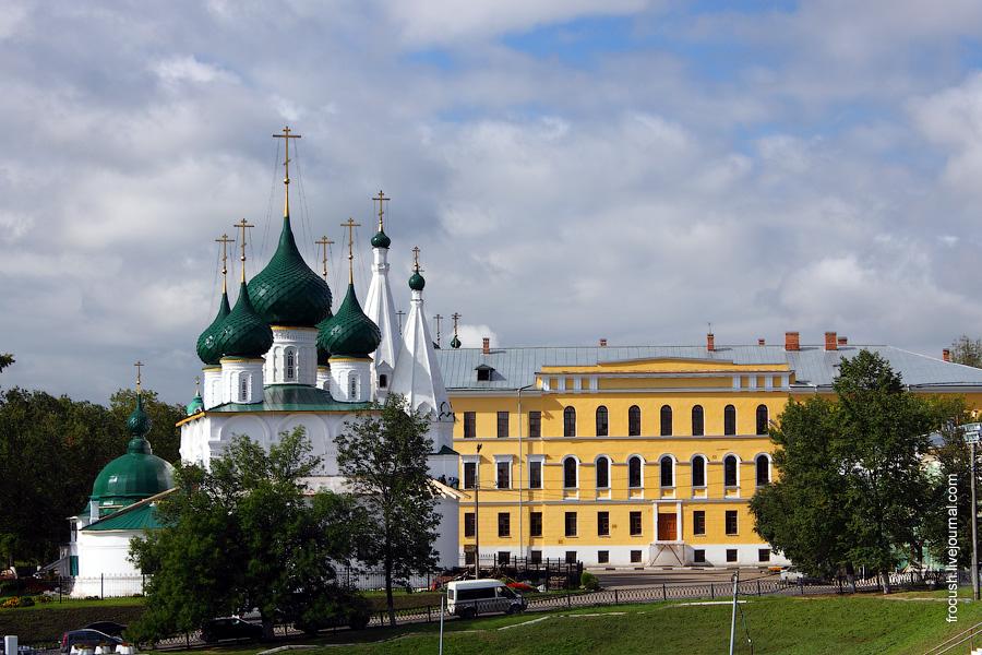 Церковь Спаса на Городу и гарнизонный военный госпиталь
