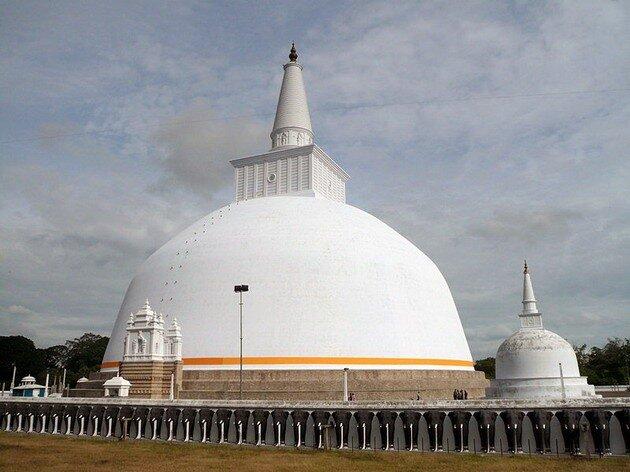 Анурадхапура. Ступа Руанвели-дагоба