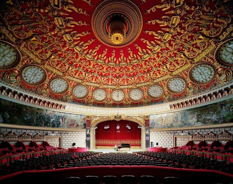 оперные залы