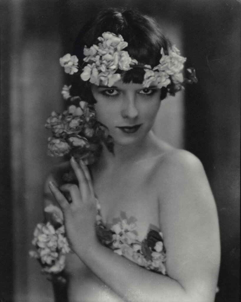 Louise Brooks, early 20s