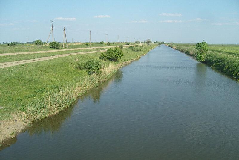 канал соединяет Варнавинское и Крюковское вдхр.