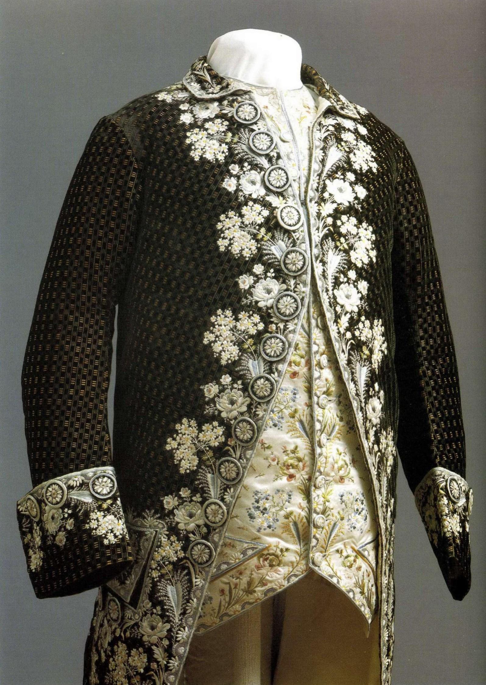 мода и одежда от роберто кавалли