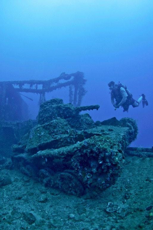 Самое большое подводное кладбище военной техники