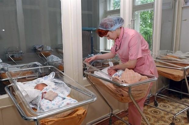 Новорожденных девочек перепутали в роддоме Татарстана