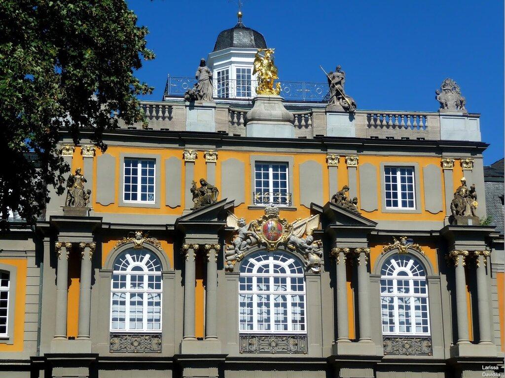 Здание ордена архангела Михаила -Das Koblenzer Tor.