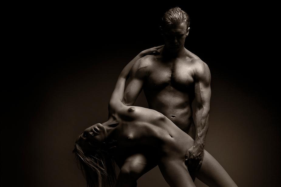 krasivie-muzhskie-tela-eroticheskie