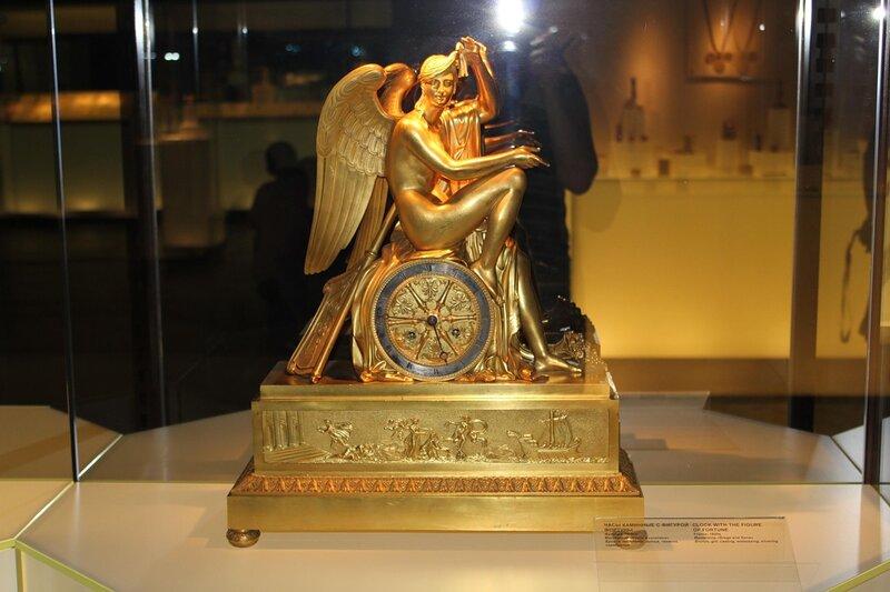 Часы каминные с фигурой Фортуны