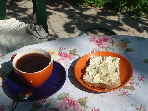 Кофе и деревенская сметана