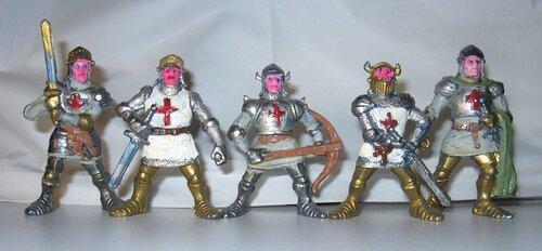 Пластмассовые рыцари