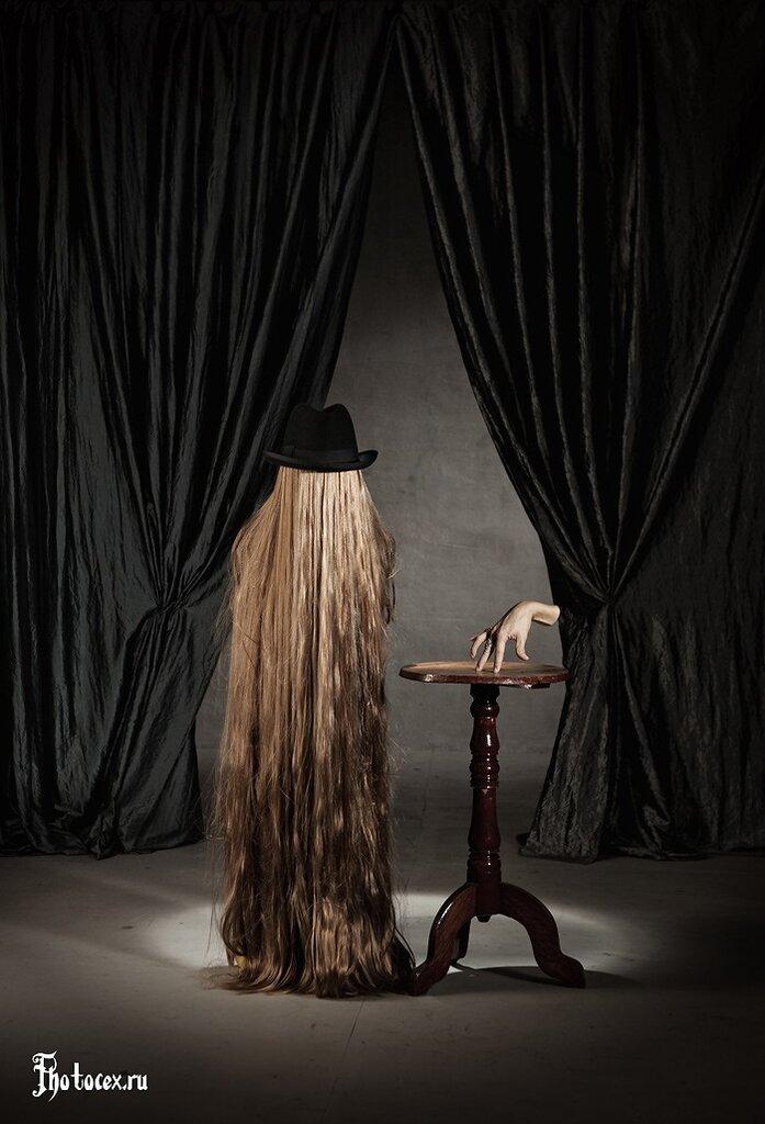 Addams-Thing&Cousin-Itt.jpg
