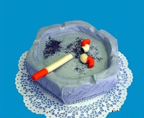 Торт-пепельница