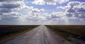 Дорога в казахстанской степи