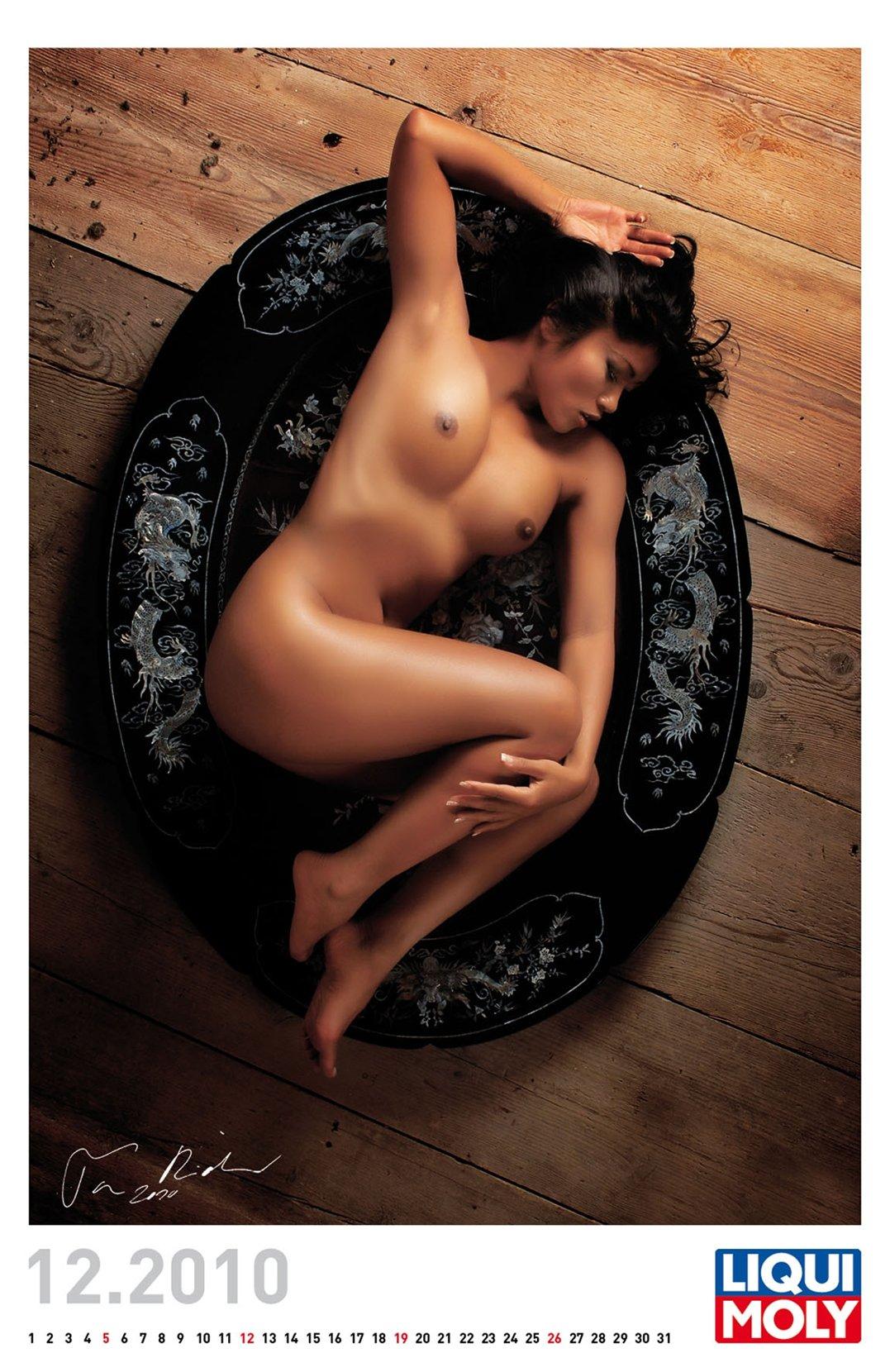 эротический календарь Liqui Moly calendar 2011 - декабрь 2010