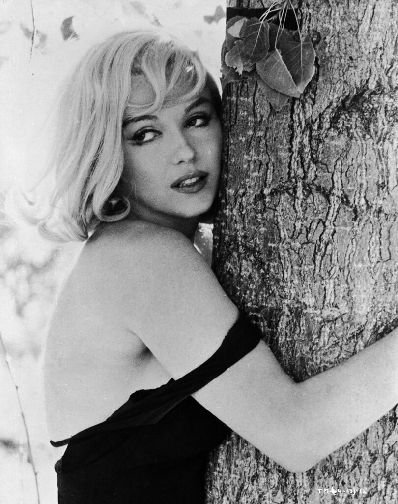 Marilyn Monroe photographed by Henri Cartier-Bresson, 1961