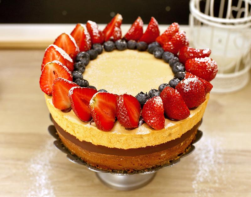 Торт Шоколад и Клубника - простой пошаговый рецепт с фото #5.