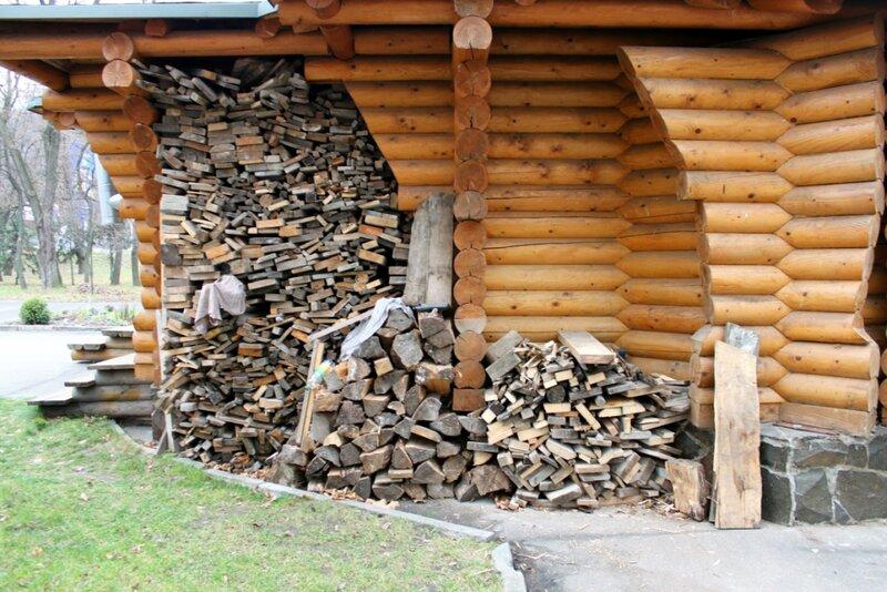Хранение дров для храма
