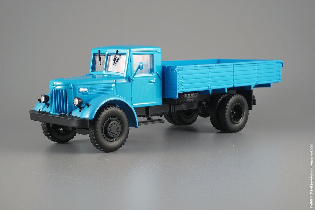 МАЗ-200-01.jpg