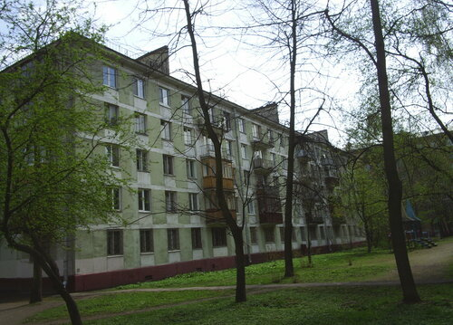 ул. Типанова 15