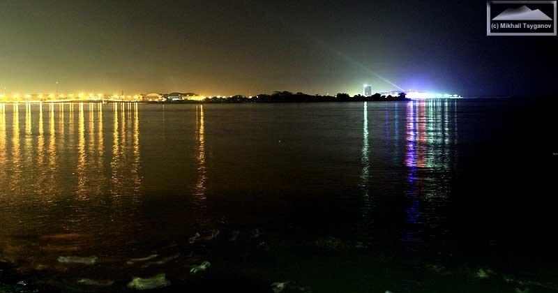 Макассар ночью