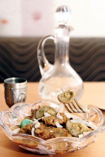 Дегустация солёных грибов