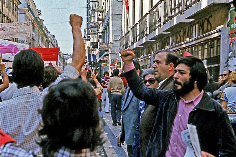 1975 Lisbon 1 mai.jpg