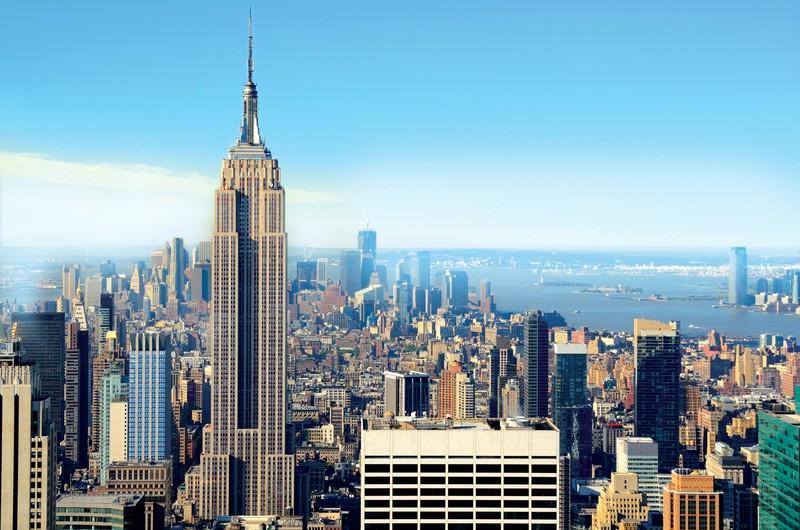 Земляные работы на участке начались 22 января 1930 года, а сооружение небоскреба стартовало 17 марта