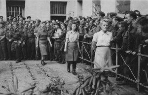 Элизабет Фолькенрат, Марта Линке и Хильда Лобауэр в тюрьме