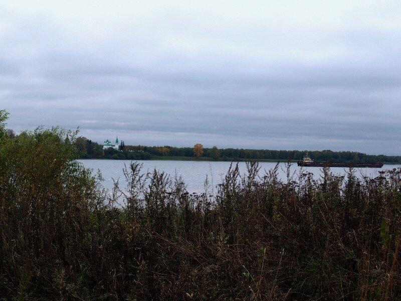 Село Введенское на другом берегу Волги