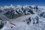 вид на север с высоты ~ 6600, виден ледник Звездочка, ребро Победы, Хан-Тенгри