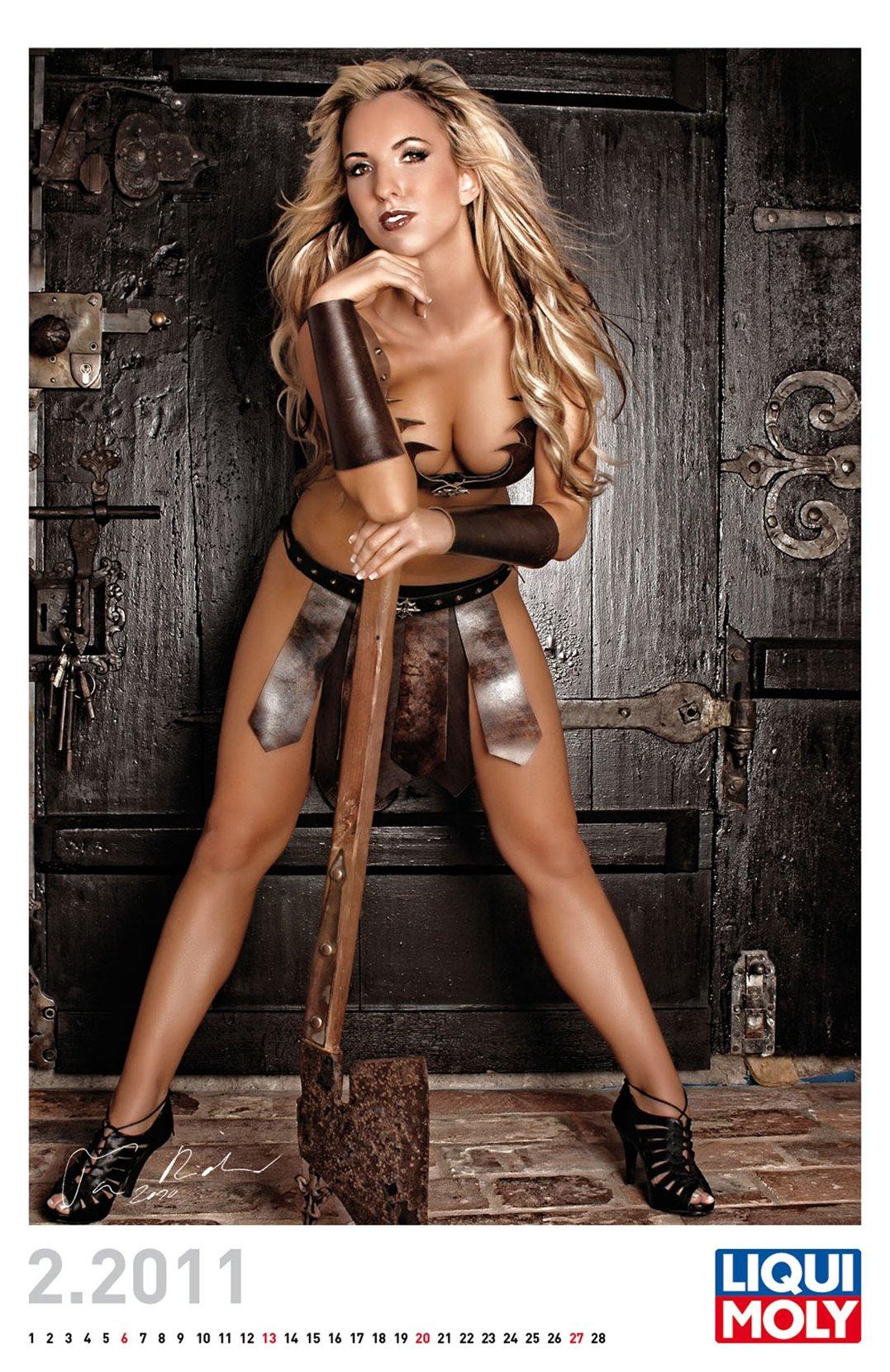 эротический календарь Liqui Moly calendar 2011 - февраль