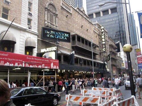"""Нью Йорк август 2010. Театр """"Маджестик"""""""