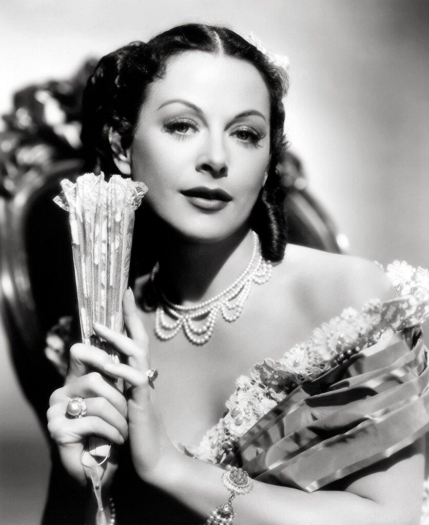 актриса Hedy Lamarr