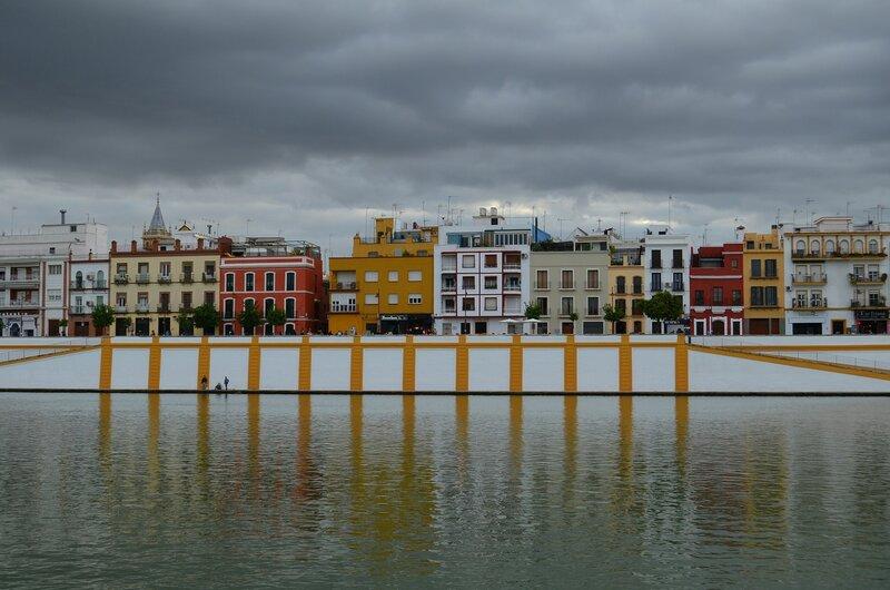 пасмурный день в Севилье