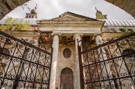Прогулка по заброшенному храму Казанской иконы Божьей Матери в Яропольце 0 11e846 2cdb4e1c orig