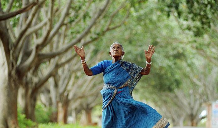 В той местности, где живет эта женщина, засуха является настоящим бедствием. Однако Саалумарада собс