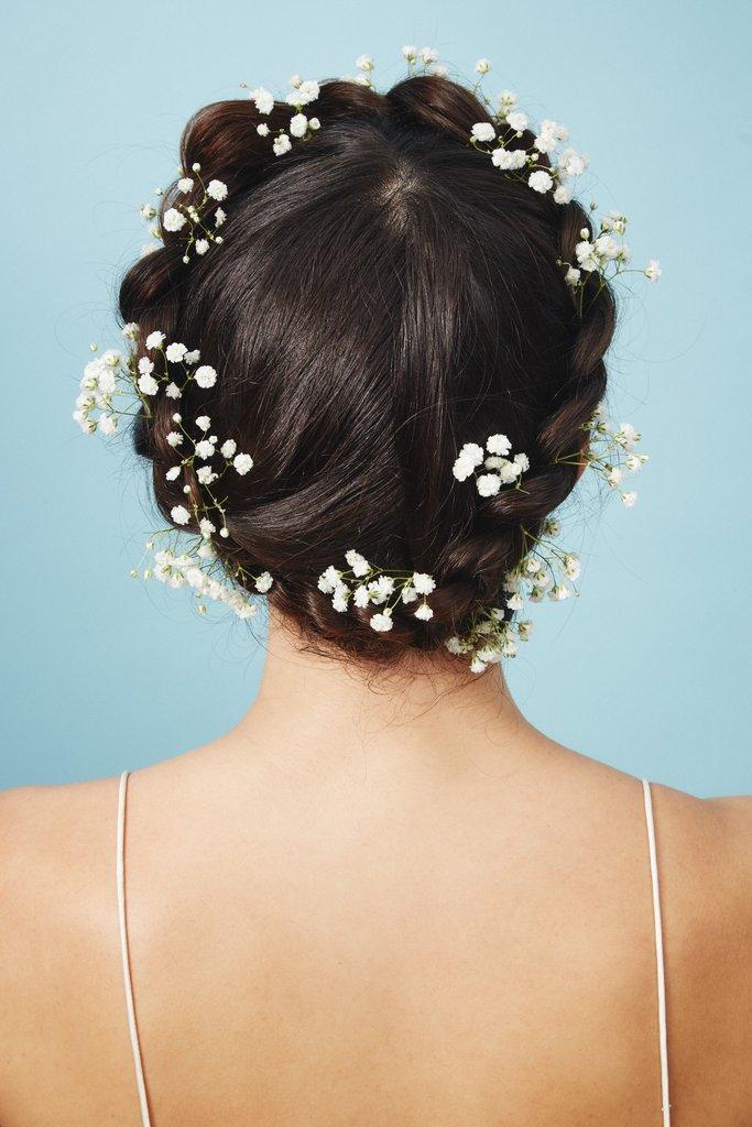 свадебные-прически-с-цветами20.jpg