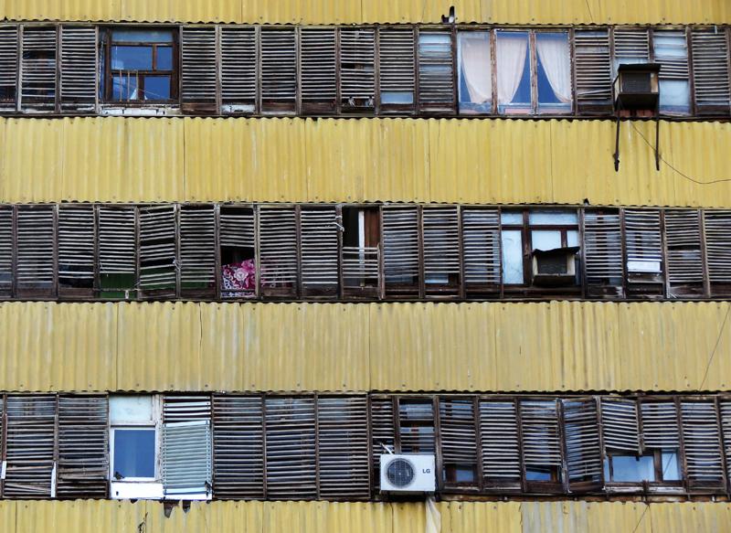 В каком году построены 9 этажки в г навои